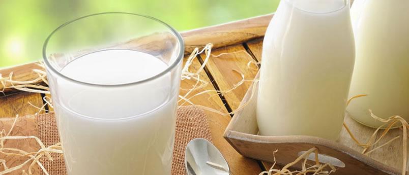 Latte fresco intero pastorizzato